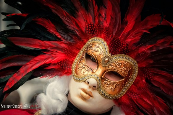 Behind the Mask... Photo Gallery of Venetian Masks
