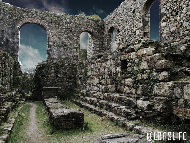 pictures of walls of ancient ruins
