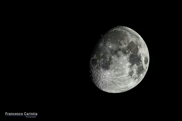 PicsArtists Share Their Pictures of the Moon