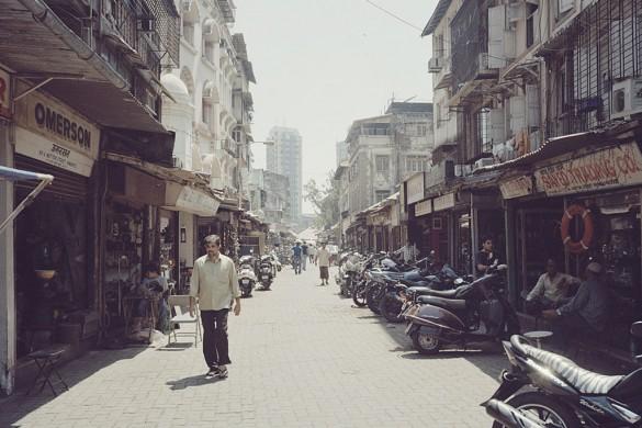 Enter the Thieves Market of Mumbai with Thomas Hull