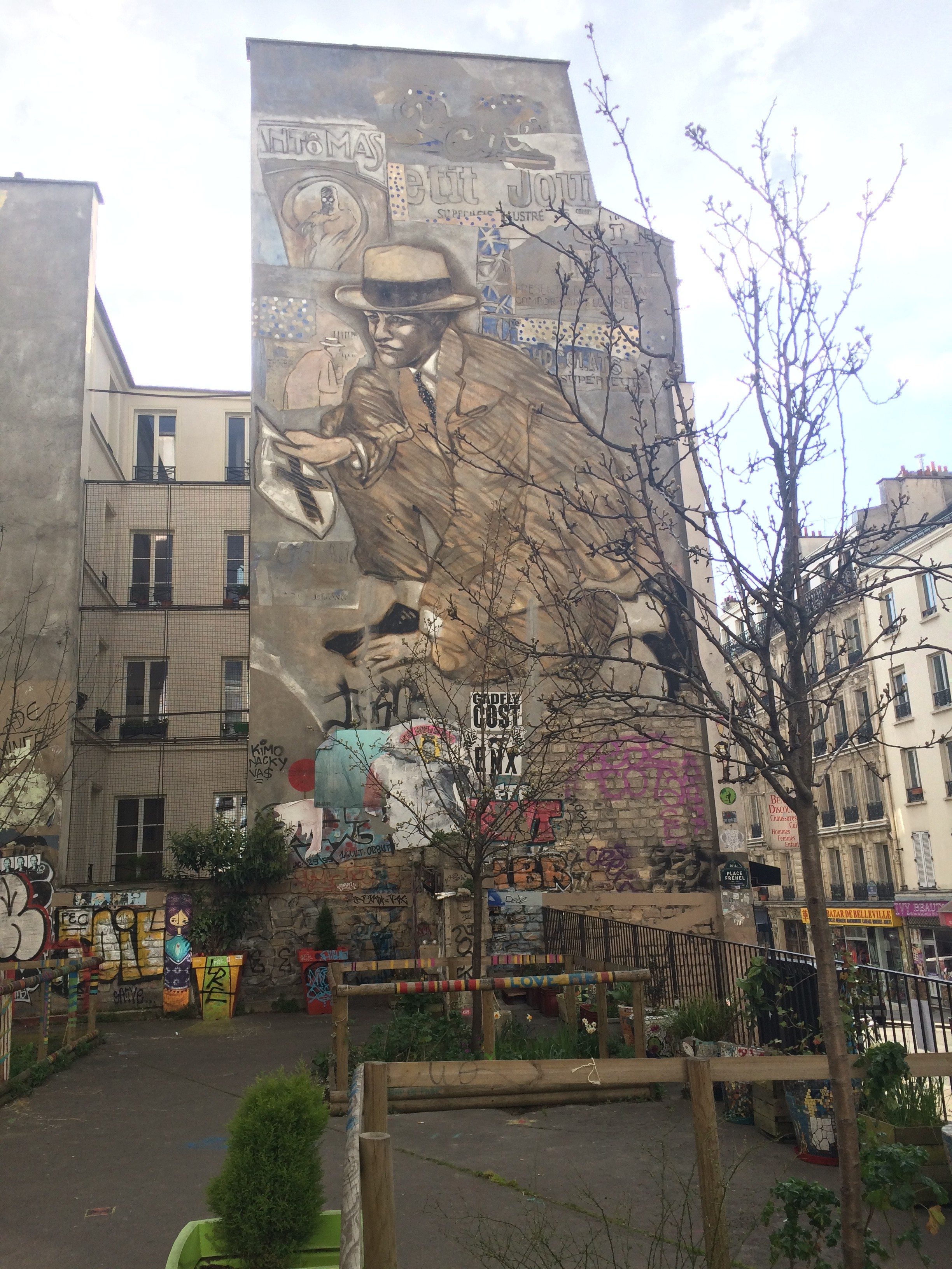 Jean le Gac street art in Belleville, Paris
