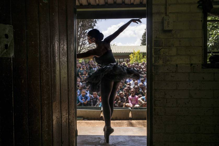 Ballet Dancer South Africa | Photo by Marco Longari | Photojournalism Tips