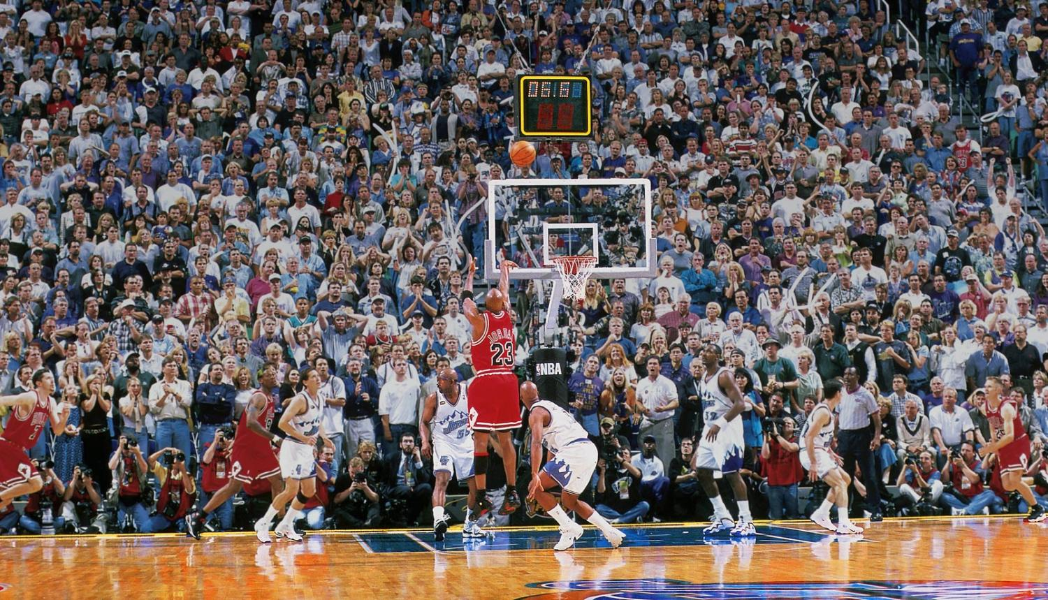 Michael Jordan The Shot 1998 - 15 Legendary Photos in NBA Finals History
