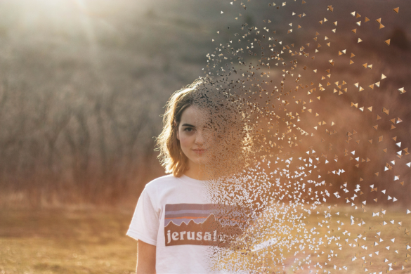 Girl in white t-shirt using dispersion tool. Editing Challenge for #IDontFeelSoGood Meme