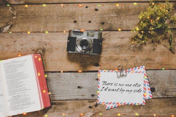 Holiday Font by PicsArt