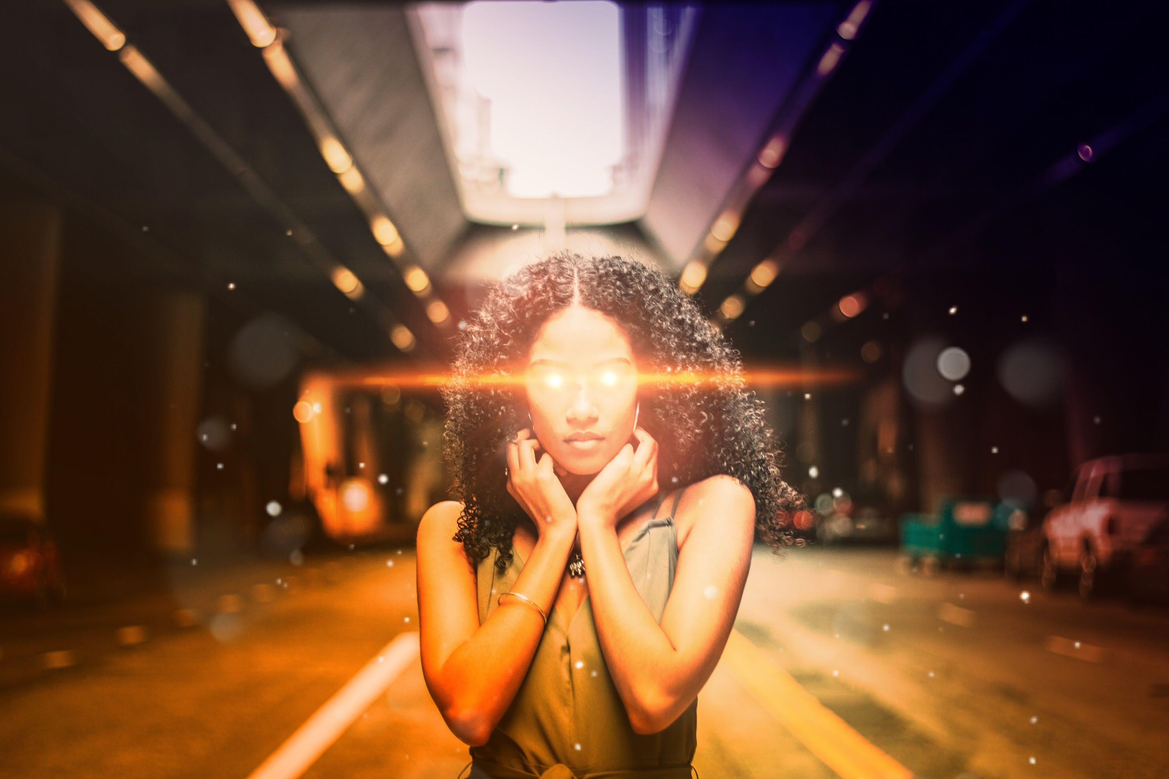 The Captain Marvel Laser Eye Effect on the portrait of a girl