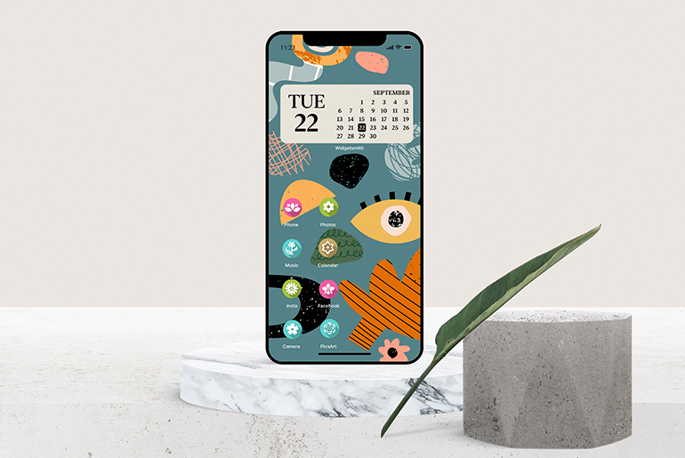 iOS 14 home screen icon customization made with photo editing app