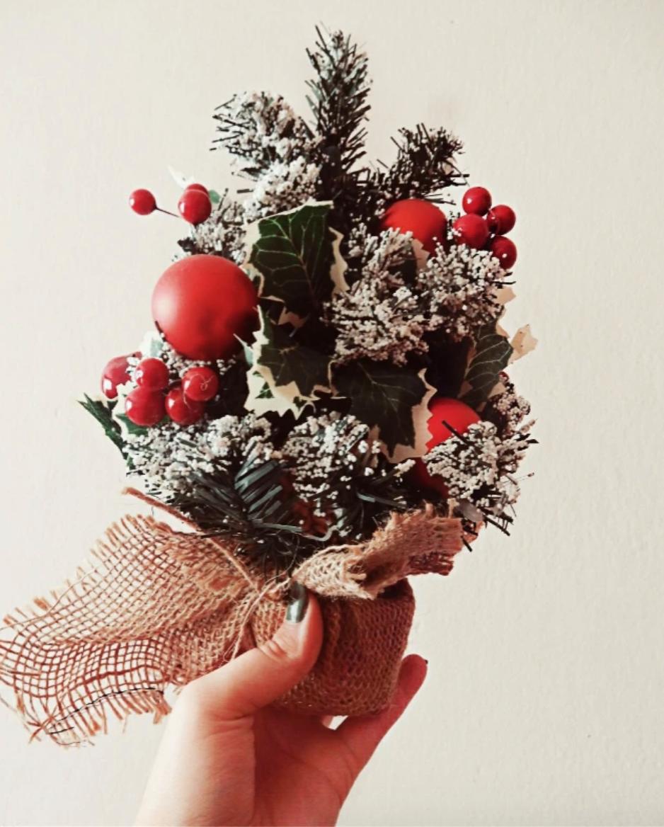 Handheld Christmas tree